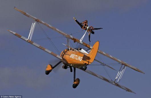 Amazing Aerobatics By Daredevil Women