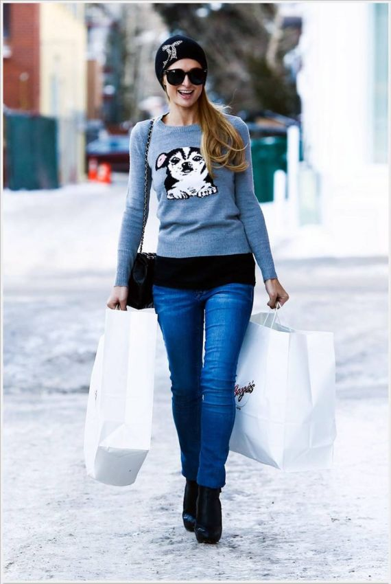 Paris Hilton Shopping In Aspen