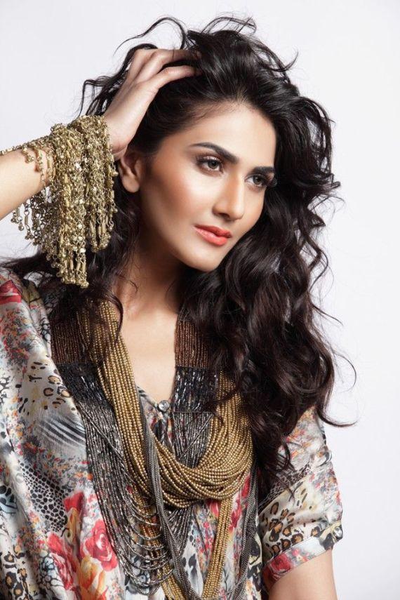 Pretty Indian Model Vaani Kapoor