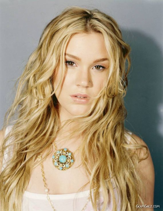 Smiling Beauty Joss Stone