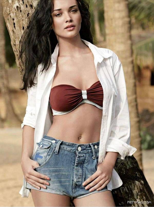 Amy Jackson Spicy Shoot For Maxim India