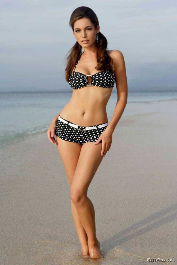Kelly Brook Exclusive Swimwear Photoshoot